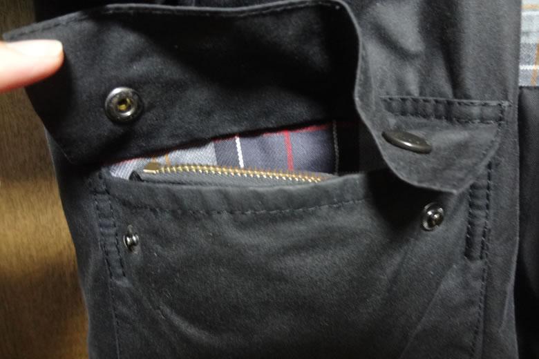 バブアーフラップポケット大きさ